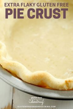 This easy gluten free pie crust has a secret ingredient to make it extra flaky and buttery, just like a traditional pie crust! Plus a video and step-by-step photo instruction on how to make this recip Gluten Free Biscuits, Gluten Free Soup, Gluten Free Cakes, Vegan Gluten Free, Gluten Free Recipes, Gluten Free Apple Pie, Gluten Free Pastry, Pie Recipes, Recipe For Gluten Free Pie Crust