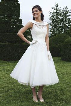 bridal portraits tea length dress | ... Wedding Gowns, Dresses and Evening wear | Tea Length Wedding Dresses