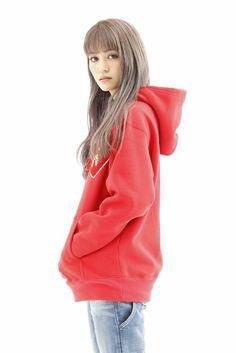 埋め込み画像 Japanese Girl Group, Actors, Hoodies, Happiness, Celebrities, Model, Sweaters, Beauty, Flower