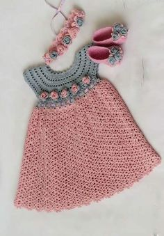 See that beautiful dress for girls. pink. crochet yarn. | Crochet patterns free Más