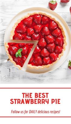 A simple strawberry pie made with an easy graham cracker crust, a sweet cream cheese layer, and topped with fresh strawberries. Best Strawberry Pie Recipe, Strawberry Cream Cheese Pie, Strawberry Sauce, Pie Crust Recipes, Cream Cheese Recipes, Graham Cracker Crust, Yummy Food, Yummy Recipes, Jello Gelatin