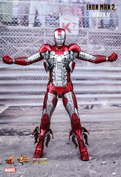 Hot Toys : Iron Man 2 - Mark V scale Collectible Figure
