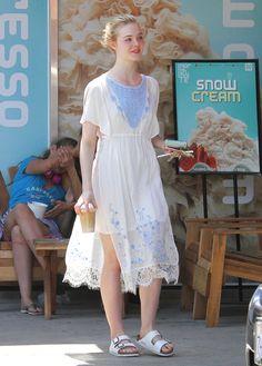 Elle Fanning Snow Cream Cutie - http://oceanup.com/2015/05/04/elle-fanning-snow-cream-cutie/