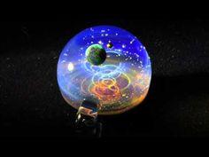 宇宙ガラス(小惑星) - YouTube