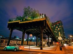 Abandoned freight train line becomes a park, The Highline in NYC, NY free