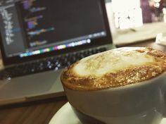 Nada melhor que um café pra dar o boot.  Bom dia. #coffee #muralhacafe  #developer #webdeveloper #php #programming #mysql #softwaredeveloper #webdesign #designer #workstation #java #codered #buildtheweb #building #code #js #javascript #css #css3 #programmer #webdev #agenciaweb #development