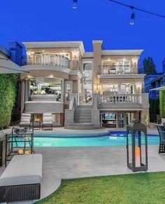 Mansions, House Styles, Home Decor, Fashion, Moda, Decoration Home, Manor Houses, Room Decor, Fashion Styles