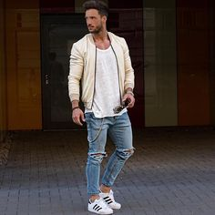 @magic_fox rocking @manieredevoir #streetstyle #style #fashion #styling #manieredevoir #styleblogger #fashionblogger #mensshoes #mensstyle #styles #fashionkilla #jeans #luxury #ootd #outfit #outfitinspiration #outfitoftheday #swag