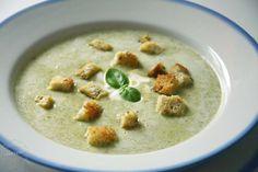Pyszna zupa krem brokułowy z dodatkiem serka śmietankowego to doskonały pomysł na obiad. Do jej przyrządzenia wystarczy niecała godzina.Zaskoczysz bliskich!