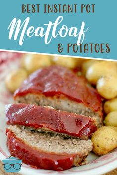 Instant Pot Meatloaf and Garlic Parmesan Potatoes is a whole meal made right in the electric pressure cooker. Tender, flavorful glazed meatloaf and perfectly seasoned potatoes. Seasoned Potatoes, Parmesan Potatoes, Garlic Parmesan, Thanksgiving Recipes, Fall Recipes, Southern Recipes, Southern Food, Easy Dinner Recipes, Easy Meals