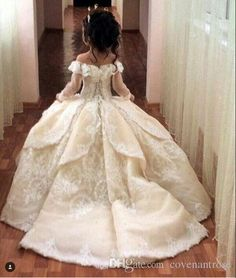 I found some amazing stuff, open it to learn more! Don't wait:http://m.dhgate.com/product/flower-girl-dresses-for-weddings-with-train/391536046.html