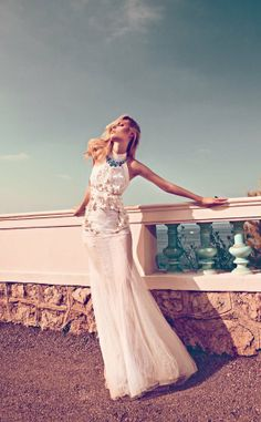 Un lindo vestido con transparencias