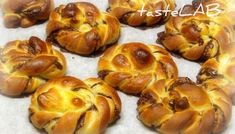 kanelbullar Greek Cookies, Cake Recipes, Dessert Recipes, Greek Sweets, Greek Recipes, Doughnut, Sweet Tooth, Deserts, Artisan