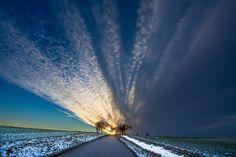 #sky #evening #lanscape #sunset #sun #light #czech #czechlandscape #hubertmuller #romantic #poetic #nikon #nature #naturelovers… Nice Photos, Sun Light, Sunrises, Nikon, Waves, Romantic, Sky, Landscape, Winter