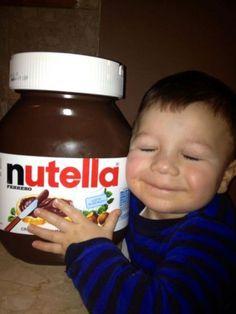 Fotos Engraçadas 26 - Eu te amo, pote gigantesco de Nutella.