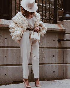 Three different looks in the same Chunky Cardigan - Aurela - Fashionista Is better late than never. Estilo Fashion, Moda Fashion, Knit Fashion, Paris Chic, Mode Outfits, Winter Outfits, Fashion Outfits, Cheap Fashion, Stylish Outfits