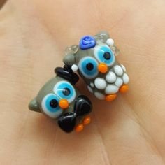 Very very cute owl beads couple made by me in my lampwork studio. Price is for 2 owl beads Hole size is Thanks for visiting my shop Dread Beads, Rainbow Glass, Cute Owl, Handmade Items, Handmade Gifts, Lampwork Beads, Groom, My Etsy Shop, Bride