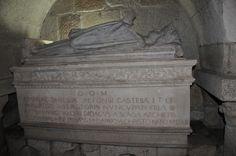 Túmulo de D. Teresa na Sé de Braga - Portugal