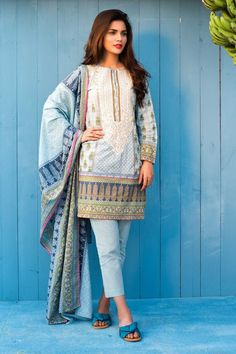 #TropicalEscape #Khaadi #Lawn Collection 2018 #khaadi2018 #khaadilawn #pakistanicloth #designerlawn #lawndress #pakistanifashion