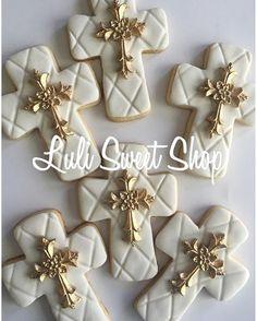 Cookies for sale minimum to ship 12 cookies. #firstcommunioncookies #communioncookies #christeningcookies #crosscookies #kidscookies #religioncookies #batizadofestejandoemcasa #baptismcookies