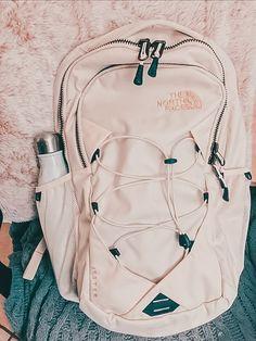 Travel Backpack, Backpack Bags, Fashion Backpack, Backpack Outfit, Preppy Backpack, Longchamp Backpack, Guess Backpack, Backpack Storage, Preppy Car