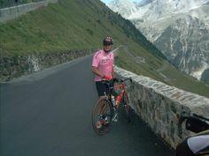 Col du Stelvio ( Dolomites) - 2758m - 21,5km depuis Bormio : 7,1% de moyenne, 1533m de dénivelé. Gravi par les 2 faces