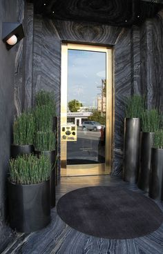 Now this is the kind of place you buzz into   Habitually Chic®: Chic in LA: Kelly Wearstler Boutique