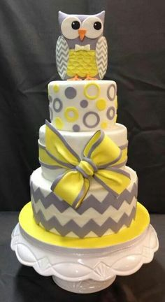 Yellow & Grey Owl cake