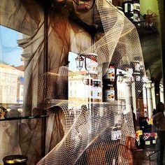 19) Vetrine Torinesi #igersitalia #igersmarche #igerstorino #smw #instameetitalia2 - @igersmarche- #webstagram