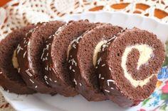Karamelová roláda nám veľmi chutí, je to rýchlovka, veľmi rada ju pripravujem:)) Dessert Recipes, Desserts, Sweet Recipes, Tiramisu, Rolls, Food And Drink, Christmas Decorations, Baking, Breakfast