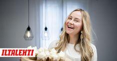 Sara Marjoniemi asui lähes parikymppiseksi Amerikassa. Amerikan-ikävään Marjoniemi alkoi leipoa herkkuja, ja nyt hänellä on oma leipomoyritys. Sweet, Candy