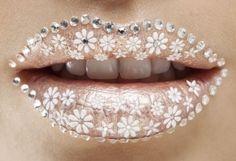 Sparkle Flower Lips #makeup, #lips, #pinsland, https://apps.facebook.com/yangutu
