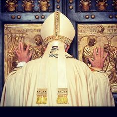 Not sure who we  more the #pope or the #doors & we #love doors! #popefrancis of course and MERCY #prayyourway #mercy #catholic #blessed