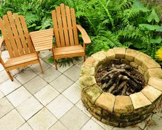 It's fall and you need a firepit! Here is a list of Carol's favorite DIY firepits from around the internet!