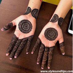 42 beautiful henna tattoo designs for women to try out - Henna Tattoo - Hand Henna Designs Round Mehndi Design, Modern Mehndi Designs, Mehndi Designs For Beginners, Mehndi Designs For Girls, Mehndi Design Photos, Wedding Mehndi Designs, Mehndi Designs For Fingers, Dulhan Mehndi Designs, Beautiful Henna Designs