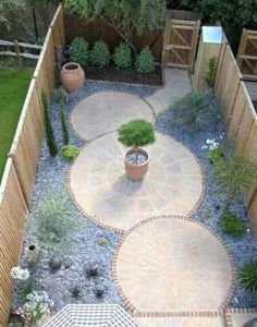 Small yard landscaping small garden ideas no grass, gravel front garden ideas, paved backyard Unique Garden, Small Garden Design, Small Garden Ideas No Grass, Garden Ideas For Small Spaces, Circular Garden Design, Garden Yard Ideas, Small Gardens, Outdoor Gardens, Small Backyard Landscaping