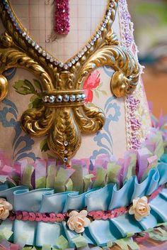 Party hat 9 Pattern Party Ideas Birthday Present Glitter Art, Gold Glitter, Distressed Mason Jars, Alice In Wonderland Costume, Diy Crown, Paper Crowns, Girl Birthday, Birthday Ideas, Happy Birthday