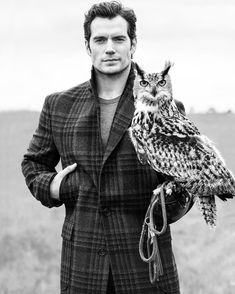 Henry Cavill photographed by Ben Watts for September 2016 issue of Men's Fitness magazine. The photoshoot took place in England on June Henry Cavill, Most Beautiful Man, Gorgeous Men, Beautiful People, Beautiful Things, Don Draper, Dan Stevens, Tom Hardy, Classic Mens Hairstyles