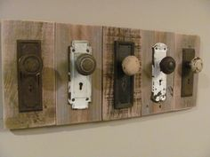 Rustic Antique Coat Rack Door Knobs and Escutcheon Plates Antique Coat Rack, Rustic Coat Rack, Wooden Coat Rack, Wood Crafts, Diy And Crafts, Crafty Craft, Door Knobs, Door Handles, Barn Wood