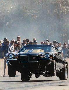 Camaro - Old Car Shopper Chevrolet Camaro 1970, Chevy Camaro, Chevy Classic, Classic Cars, Carros Camaro, Ford Mustang, Gp Moto, Nhra Drag Racing, Chevy Muscle Cars
