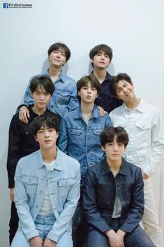 I love this pic💜 JK looks like a baby, Jimin looks so adorable, everyone is slaying it and there's Yoongi! Man I'm shook! Why Suga why! Jung Hoseok, Bts Jungkook, Taehyung, Jimin Jungkook, Foto Bts, K Pop, Love Yourself 轉 Tear, Photoshoot Bts, Bts Twt