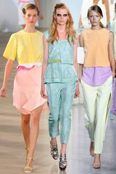 Louis Vuitton SS 2013 lines are precise and unadorned, geometric shapes are popular in this era