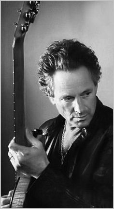 Lindsey Buckingham sorry guys fleetwood mac really bored me but lindsey... well alright