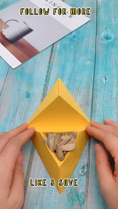Diy Crafts Hacks, Diy Crafts For Gifts, Diy Arts And Crafts, Creative Crafts, Creative Ideas, Instruções Origami, Paper Crafts Origami, Oragami, Origami Videos