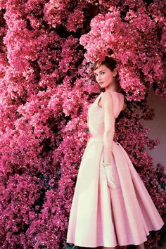 audrey hepburn, beautiful, icon, pretty in pink, vogue, flower wall