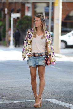 Como usar shorts jeans: a peça mais democrática do guarda-roupa - Dicas de Mulher