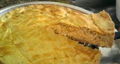 Faça passo a passo a receita de Torta salgada de atum e queijo que não tem como errar porque é bem simples e fácil! Tenho certeza que vai ser sucesso! Tort