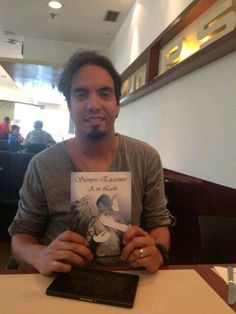 "Edgar de la Revista ""Yo Soy Venezolano"""