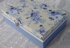 Caixa em MDF forrada com tecido 100% algodão. R$ 70,00