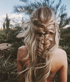 Braided hairstyles are quite popular nowadays. It looks charming and luscious. To get a funky look it's possible to carry these braided hairstyles. Bohemian Hairstyles, Messy Hairstyles, Hairstyle Ideas, Wedding Hairstyles, Beautiful Hairstyles, Fishtail Braid Hairstyles, French Hairstyles, Summer Hairstyles, Style Hairstyle